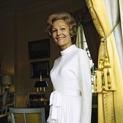 vogue, october 15, 1972   portrait of pat nixon nee thelma catherine patricia ryan first lady of the united states and wife of president richard milhous nixon, standing in the yellow oval room of the white house next to a yellow curtain held back by large tassels she wears a white dress with long sleeves, a standing collar, and a tie belted waist  horst p horstconde nast via getty images